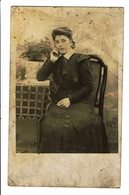 CPA - Carte Postale-Belgique - Photographie : Jeune Dame Pensive Et Assise 1904-VM4632 - Photographie