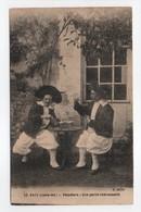 - CPA BATZ (44) - Paludiers - Une Partie Intéressante (superbe Gros Plan) - Edition Chapeau N° 93 - - Batz-sur-Mer (Bourg De B.)