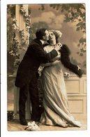 CPA - Carte Postale-Belgique Un Couple S'embrassant  VM4645 - Couples