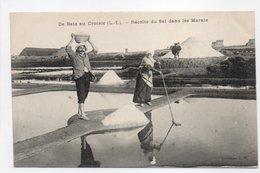 - CPA BATZ (44) - Récolte Du Sel Dans Les Marais (belle Animation) - Collection T. H. - - Batz-sur-Mer (Bourg De B.)
