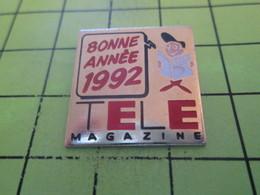 313e Pins Pin's / Rare & Belle Qualité THEME MEDIAS / TELE MAGAZINE BONNE ANNEE 1992 - Medias
