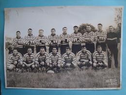 17 - La Rochelle - Photo 17cm X 24cm - L'équipe De Rugby Du Stade Rochelais Le 07/05/61 à Brive - Match Contre US Dax - La Rochelle