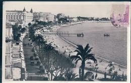 POSTAL CANNES - LA CROISETTE ET LA PLAGE - CIRCULADA - Cannes