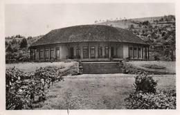 DSCHANG-LE CENTRE CLIMATIQUE-SON-  VIAGGIATA 1953-REAL PHOTO - Camerun