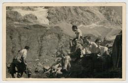 FOTO-CARTOLINA  GITA IN  MONTAGNA     LUOGO     DA  IDENTIFICARE        (SCRITTA) - Cartoline