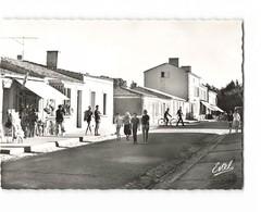 17 Ile D' Aix Une Rue CPSM GF Edit Estel N°245 Photo - Francia