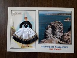 L22/280 Carte Brodée Et Tissu , Cap Frehel. Rocher De La Fauconniere - Brodées