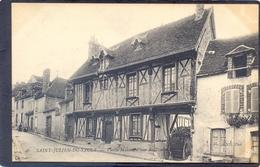 46 SAINT-JULIEN-DU-SAULT - Vielle Maison, Place Des Fontevolles ? Voir Scan - Saint Julien Du Sault