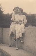 2 Girls Women Touching Hugging Lesbian Int Real Photo Postcard 20s - Fotografia