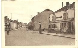 BIESLES  (Haute-Marne)  - Route De Nogent  -- Café Du Centre, Pompe à Essence - Autres Communes