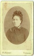Photo CDV. Foto Hannet, Tournai. Femme Et Chapeau Identifiée. - Anciennes (Av. 1900)