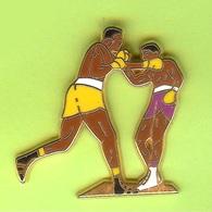Pin's Boxeurs - 10C14 - Boxing