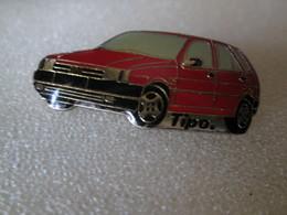 PIN'S   FIAT  TIPO - Fiat
