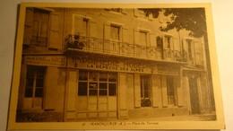 MANOSQUE ( B-A ) Place Du Terreau. ( Imprimerie Moderne LA DEPECHE DES ALPES ) - Manosque