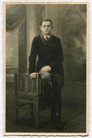 CPA - Carte Postale - Fantaisie - Portrait D'un Homme - Debout  (B9410) - Hommes