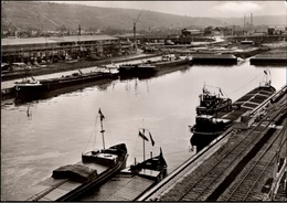 ! S/w Ansichtskarte, Stuttgart, Neckarhafen, Harbor, Binnenschiffe, Ships, Eisenbahngleise - Stuttgart