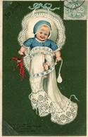 BEBE DANS SON COUFFIN - 1er AVRIL - CARTE GAUFREE - - Babies