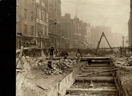 LONDON SUBWAY UNDER KINGSWAY TRAMS UNITED KINGDOM ENGLAND   +- 20*16CMFonds Victor FORBIN (1864-1947) - Lugares