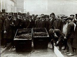 LONDON MOTOR VACUUM STREET CLEANER TESTED IN LONDON +- 21*16CMFonds Victor FORBIN (1864-1947) - Profesiones