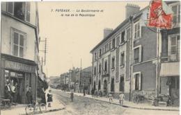 D92 - PUTEAUX - LA GENDARMERIE ET LA RUE DE LA REPUBLIQUE-Mson J. Lauger-Traiteur-Plusieurs Personnes Et Enfants-Vélo - Puteaux