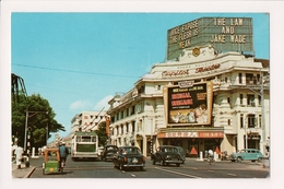 K-746 Singapore The Capitol Theatre Vintage Street Scene Postcard - Postcards
