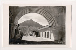 L-142 Antigua Guatemala Arch De Sta Catalina Real Photo Postcard - Postcards