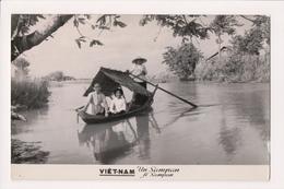 L-472 Vietnam A Sampan Real Photo Postcard - Postcards