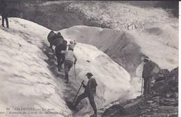 74----CHAMONIX---en Route Pour L'ascension Du Glacier Des Bossons--voir 2 Scans - Chamonix-Mont-Blanc