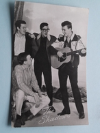 THE SHADOWS ( Uitg. Takken N° AX 5389 ) Anno 1965 ( Zie / Voir Photo ) ! - Chanteurs & Musiciens