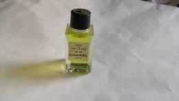 """Miniature De Parfum Chanel   """" N°19 """" Eau De Toilette - Modern Miniatures (from 1961)"""