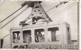 65 Téléférique Du Béout Gouffre De Lourdes Gros Plan De La Cabine Et De Sa Fixation Personnages Avec Chien Télécabine - Cartes Postales
