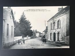 MOISDON LA RIVIERE - Arrivée Par La Route De La Meilleraye - La Poste - Moisdon La Riviere