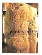 Carnac(56)musee Prehistoire - Support Grave D'une Idole(?)venant Du Dolmen Du Luffang (crach) Neolithique 3000 Avant JC - Carnac