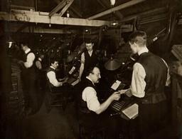 NEWSPAPER DAILY MAIL LONDON  PAPER, PULPE, IMPRIMERIE, IMPRENTA PRINTING +- 20*15CMFonds Victor FORBIN (1864-1947) - Non Classificati