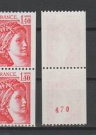 FRANCE / 1980 / Y&T N° 2104/2104a ** : Sabine 1F40 Rouge De Roulette Avec Et Sans N° Se Tenant - Gomme D'origine Intacte - France