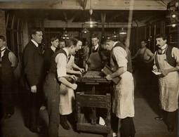 NEWSPAPER DAILY MAIL LONDON  PAPER, PULPE, IMPRIMERIE, IMPRENTA PRINTING +- 20*15CMFonds Victor FORBIN (1864-1947) - Profesiones
