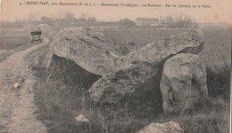 SAINT-PIAT (28). Monument Druidique. Le Dolmen Sur Le Chemin De La Folie. Voiture (Transports: Automobile) - Francia