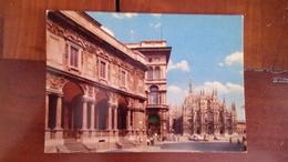 Milan - Palais Du Collège Des Jurisconsultes - Place Dôme - Milano (Milan)