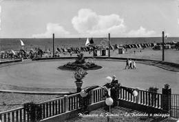 Cartolina Rimini Miramare Rotonda E Spiaggia 1955 - Rimini