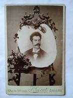 Photographie Ancienne De Cabinet - Portrait Homme - Palette Peintre - Autoportrait ?? -  Photo J.Prevot, ANVERS   BE - Non Classificati