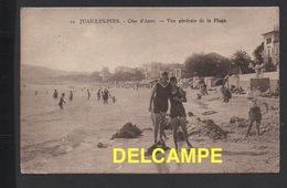 DD / 06 ALPES MARITIMES / ANTIBES / JUAN LES PINS / PLAGE : DEUX BELLES EN MAILLOTS DE BAIN / ANIMÉE / 1926 - Antibes