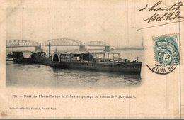 PONT DE FLEURVILLE SUR LA SAONE AU PASSAGE DU BATEAU LE PARISIEN - France