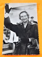 MELSBROEK  -   S.A.R.  La Princesse Joséphine Charlotte Au Champ D'aviation,  Op Het Vliegplein. - Familles Royales