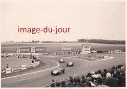Photo Ancienne  REIMS CIRCUIT AUTOMOBILE DE GUEUX  BRABHAM  PHIL HILL VON TRIPS  FERRARI COURSE  PRIX FIXE - Cars