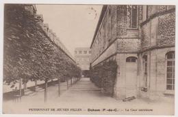 62 DOHEM  -  Pensionnat Jeunes Filles Cour Interieure  - CPA  9x14  N/B - France