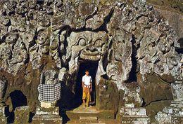 1 AK Indonesien * Die Elefantenhöhle Goa Gajah In Bedulu Auf Der Insel Bali - Erbaut Im 11. Jahrhundert * - Indonésie