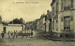 28 - MAINTENON - Entrée De La Rue Thiers  / A 488 - Maintenon