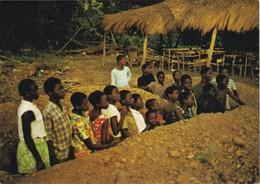 POSTCARD PORTUGAL - PORTUGUESE GUINEA - GUINÉ BISSAU - COLONIAL WAR - PUPILS IN A BOMB SHELTER - Guinea-Bissau