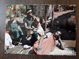 L22/319 RWANDA - Une Famille Rwandaise - Rwanda