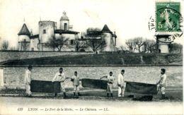 N°74257 -cpa Lyon -l'entrée Du Fort De La Motte- Le Château- - Barracks